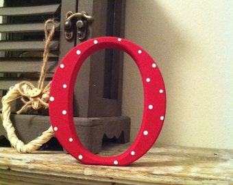 Wooden Wedding Letter 'O' - 20cm - Georgia Style Font, various finishes, standing