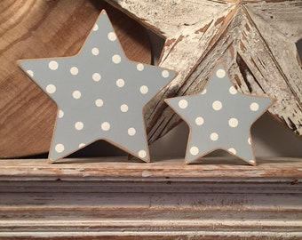 Wooden stars, set of 2, free-standing - 20cm and 15cm, Pair of stars