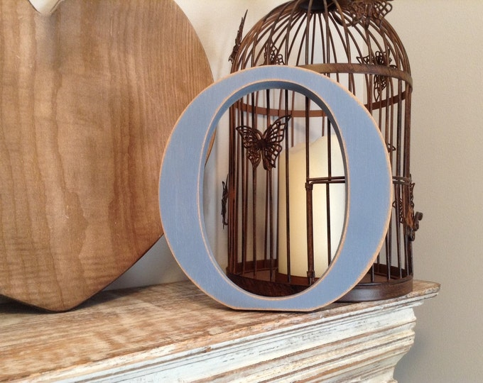 Freestanding Wooden Wedding Letter 'O' - 25cm - Georgia Style Font