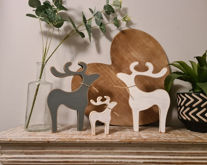 Reindeer Family, other sizes available, any colour, distressed, rustic, Set of 3 - other options available - 20cm, 10cm