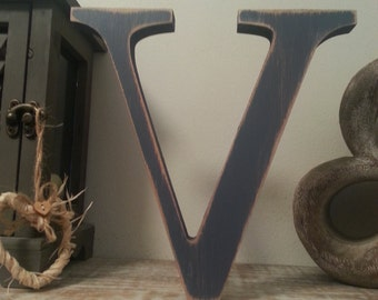 Freestanding Wooden Wedding Letter 'V' - 25cm - Georgia Style Font, various colours and finishes