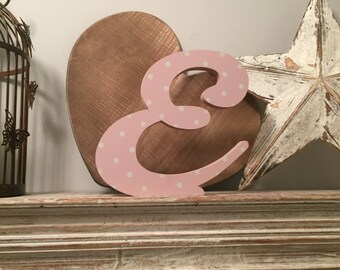 Hand-painted Wooden Letter E - Freestanding - Machiarge Font - Various sizes, finishes and colours - 20cm