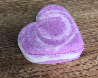 Bohemian Violet - Heart Bath Bomb - 3.5 oz  or 85g - Dead sea salt - Grapeseed oil - Spa day at home - Lovely gift - Amazing floral scent