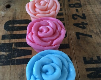10 Lovely Rose Petal  Soap - Baby shower favours - 2 oz each - Packaging and lovely thank you gift tags included - Phthalate free - Rose