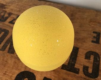 Lemongrass verbena  - 1 Large 7.5 - 8oz  Bath Bomb - Dead sea salt - Avocado oil - Spa day at home - Lovely gift - Fresh clean & zesty scent
