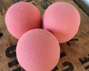Mediterranean garden - 1 Large 7.5 - 8oz  Bath Bomb -Dead sea salt - Avocado oil - Spa day at home - Lovely gift - Dusty floral scent