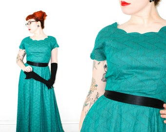 Vintage 1940s dress . Poison Ivy League . green formal gown . floor length 1940s gown . 1940s green dress