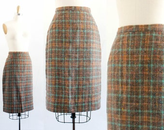 Vintage 1950s pencil skirt . September Fog . flecked wool skirt . 1950s plaid skirt . sm