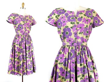 1950s purple dress // Shy Violet floral print 50s / 60s linen day dress . md