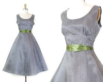 1950s taffeta dress //  Sugar & Spice vintage 1950s gingham party dress . md / medium