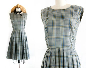 Lighthouse Keeper  . 1960s grey windowpane plaid day dress . sm / md