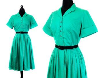 1960s shirtwaist dress // Lucky Clover vintage 1960s green dress . md / lg
