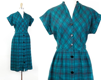 1950s plaid dress // Shadow Forest green and black vintage 40s / 50s shirtwaist dress .  md / lg
