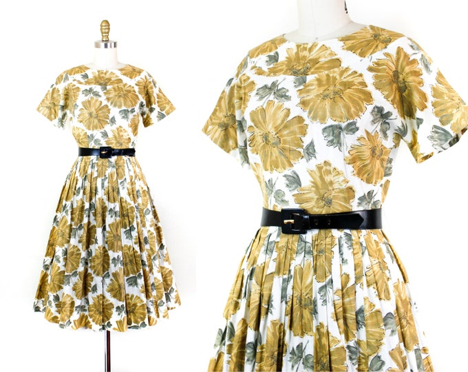 Featured listing image: 1950s floral dress // Sunflower and Sage vintage floral print 50s / 60s day dress . md
