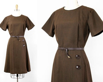 Dutch Cocoa . 1960s brown shift dress . md / lg