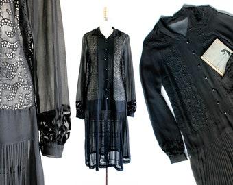 1920s black dress // Lady Blackwood vintage 20s drop waist silk georgette dress . md