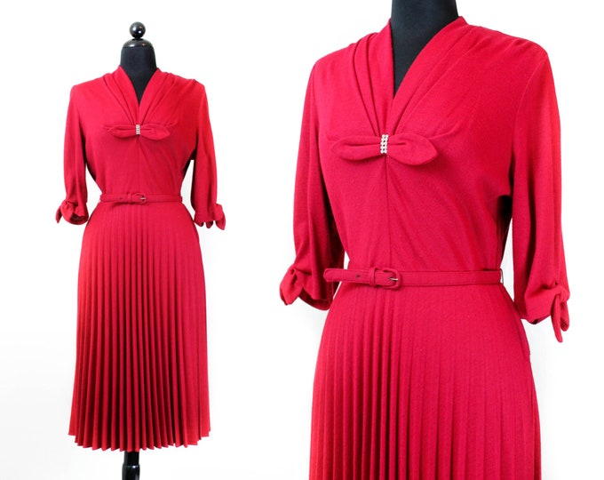 Featured listing image: 1940s dress  // Fuchsia Fatale vintage 40s / 1950s jersey knit dress . lg / xl