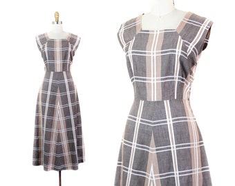 1940s plaid dress // Sand Dollar brown vintage 40s sundress . md / lg