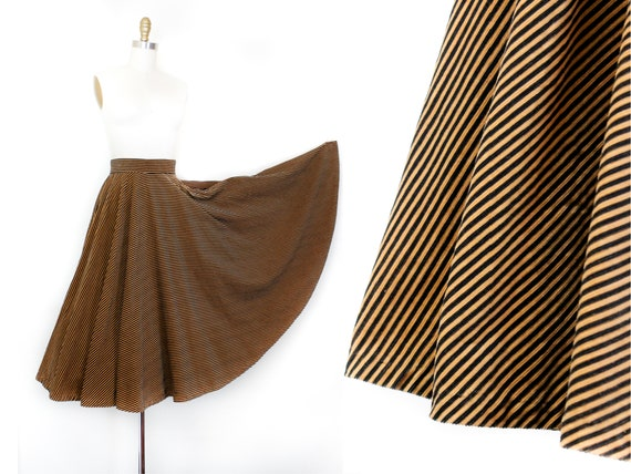 1950s circle skirt // Chestnut striped vintage 195