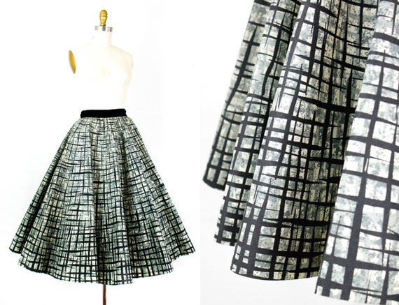 Vintage 1950s circle skirt . Paper Doll  . rare 19