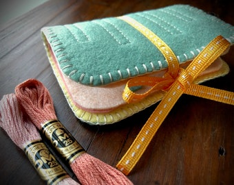 Wool Felt Needle Book Case Organizer Sewing Kit ø Candy Floss ø LoftFullOfGoodies