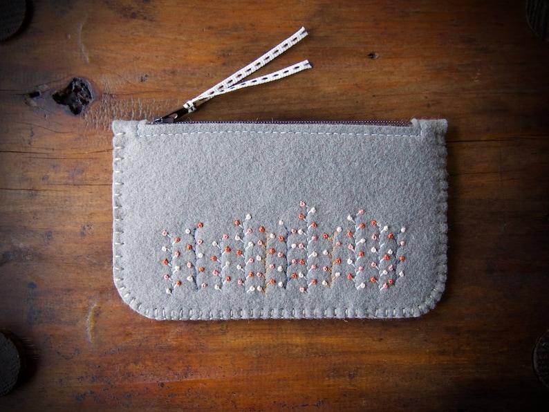 Wool Felt Coin Purse Wallet ø Small Make Up Bag ø Autumn image 0