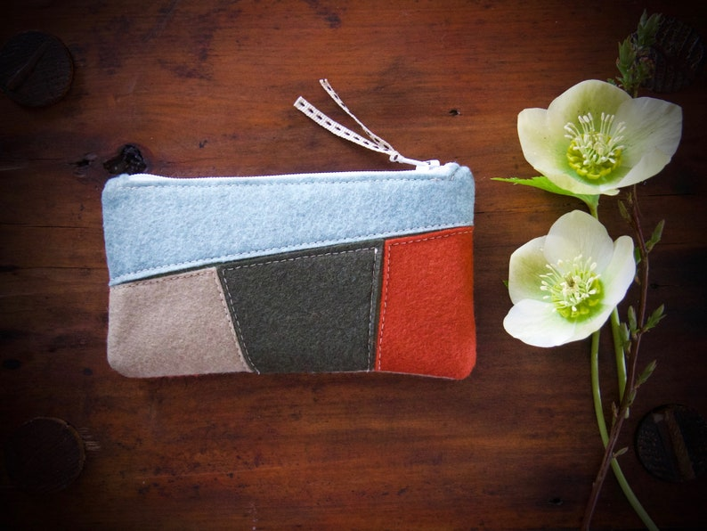 Wool Felt Coin Purse Wallet ø Small Make Up Bag ø Hand image 0
