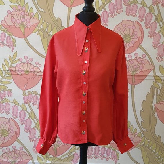 1970s red puff sleeve shirt