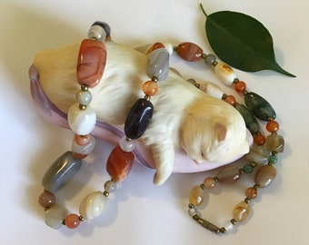 Agate and Carnelian Gemstone Necklace Vintage Mid Century Semi Precious Stone Jewelry 1960s Earth Tone Multi Color Nugget Beaded Necklace
