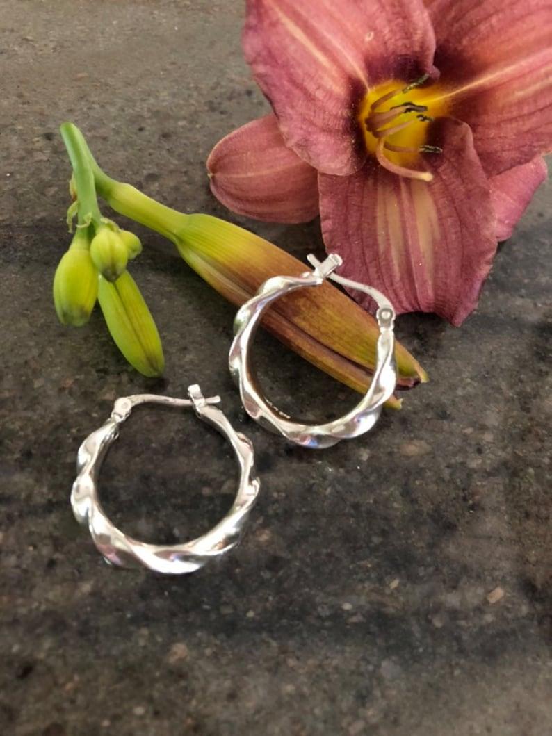 Sterling Silver Twisted Hoop Earrings Vintage Quality Estate Jewelry Modern Trendy .925 Stamped Hoops Contemporary Jewellery Office Earrings
