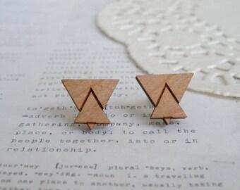 Pendientes triángulos de madera