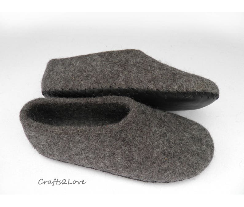 8c86e6c6392bd Mens felted slippers Felt slippers Ideal gift for husband Made of natural  wool and leather Gift for him