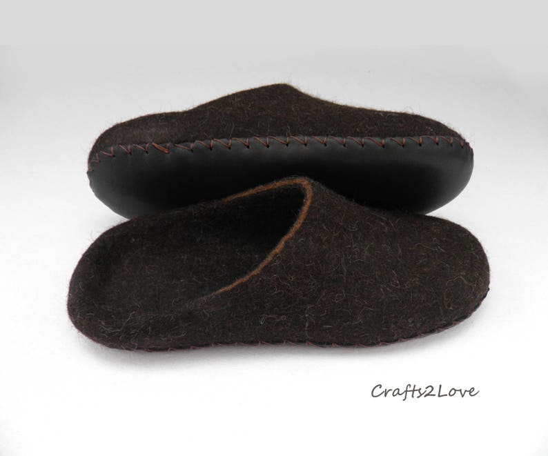 5b57b122760dc Felted slippers Mens felt slippers Winter gift for husband Men wool  slippers with leather soles Slip on warm bathroom slippers