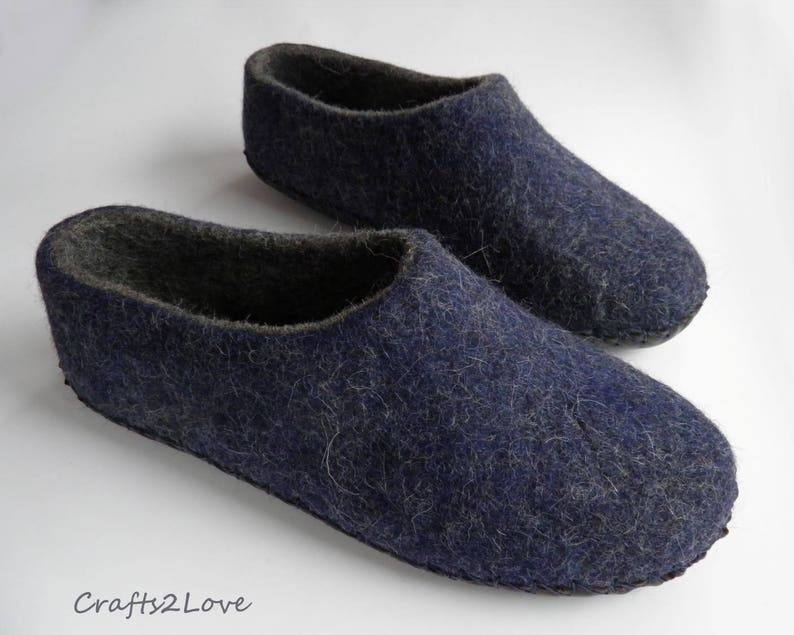 e7e8c1feabb55 Felt slippers Mens wool slippers with leather soles Dark grey with navy  Gift for him Made of natural wool and leather