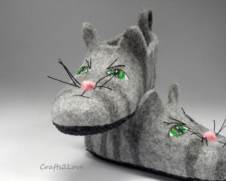 4340d41922dd4 Felted slippers with faces Felt slippers with soles Cat slippers for women  Wool slippers Home shoes American Wirehair cat Natural wool