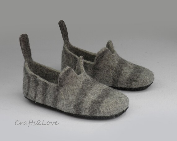 544725f2ffb9a Cat slippers for men Mens Felted slippers Wool slippers with soles Felt  slippers American Wirehair cat Made of natural wool Gift for him