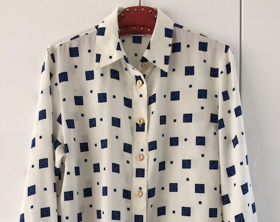 Vintage Delmod oversized classis blouse top, offwhite with blue figures, size 38, M or L