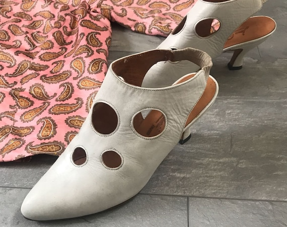 Vintage white pumps | Jean Gaborit | Rare shoes | Leather heels | French high heels | Sling backs | kitten heel