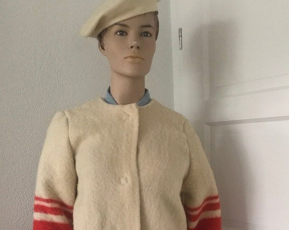Handmade coat | blanket coat |  jacket | blanketcoat | wool | offwhite with red | AaBee blanket | Dutch blanket | Royal Marine hand stitched