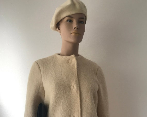 Handmade coat | blanket coat |  jacket | blanketcoat | wool | offwhite with red | AaBee blanket | Dutch blanket | Royal Marine, size M
