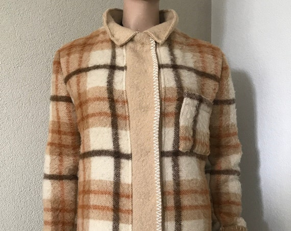 Handmade coat | blanket coat | jacket | wool | blouse jacket | checkered | plaid | AaBee blanket | Dutch blanket | Burberry look