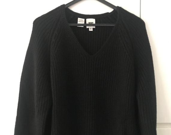 Vintage   DKNY   Donna Karan   black   wool   sweater  New York   long   V-neck   knitted
