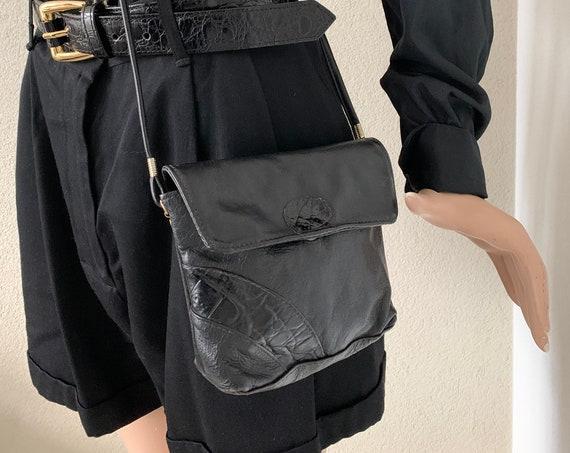 Vintage black shoulder bag | patent leather | black leather | crossover| eighties bag | crossbody bag