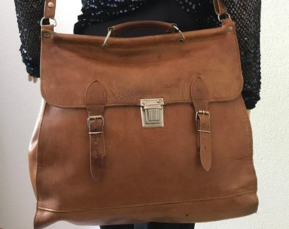 Vintage schoolbag | leather bag | shoulder bag | book bag | large bag | brown leather bag | laptop bag | messenger bag