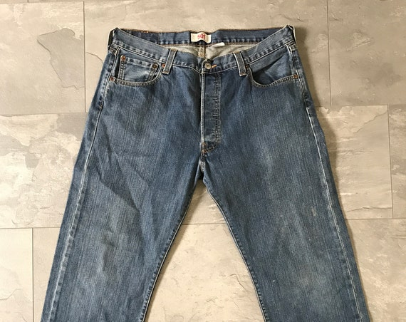Vintage Levis 501 jeans | high waist jeans | straight leg jeans | Mom jeans | Eighties jeans | Vintage blue jeans