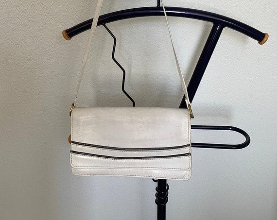 Vintage white bag | leather | shoulderbag | crossover | eighties bag | cross body bag | blue detail