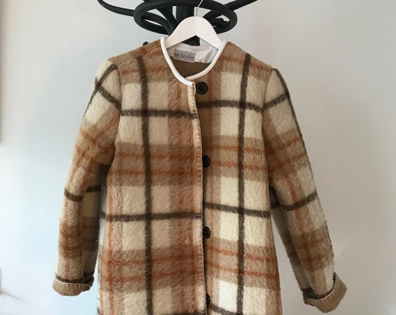 Handmade coat | blanket coat |  jacket | blanketcoat | wool | checkered | plaid | AaBee blanket | Dutch blanket | Burberry look |