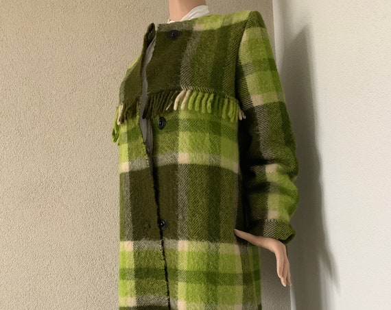 Handmade | Hand tailored | blanket coat |  jacket | blanket coat | wool | checkered | Dutch | green tones | midi | long | fringes | plaid