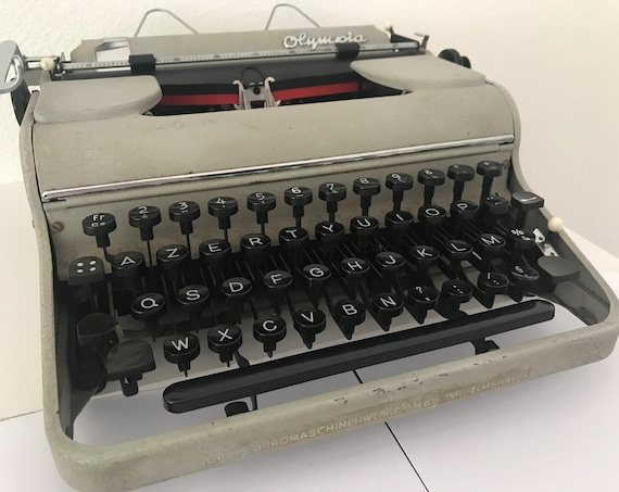 Vintage Olympia SM1 typewriter | portable | wooden case | 1949 | Germany | Orbis | fourties | AZERTY