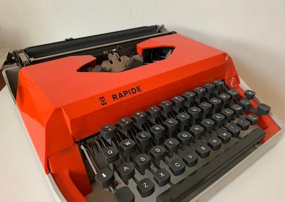 Vintage typewriter | IMC Italy typewriter | Rapide | Orange typewriter | Seventies typewriter | Portable | QWERTY